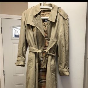 Burberry trench coat, size L / XL